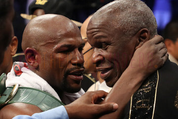 How does Floyd Mayweather Jr.'s net worth differ from Floyd Mayweather Sr.'s equity?
